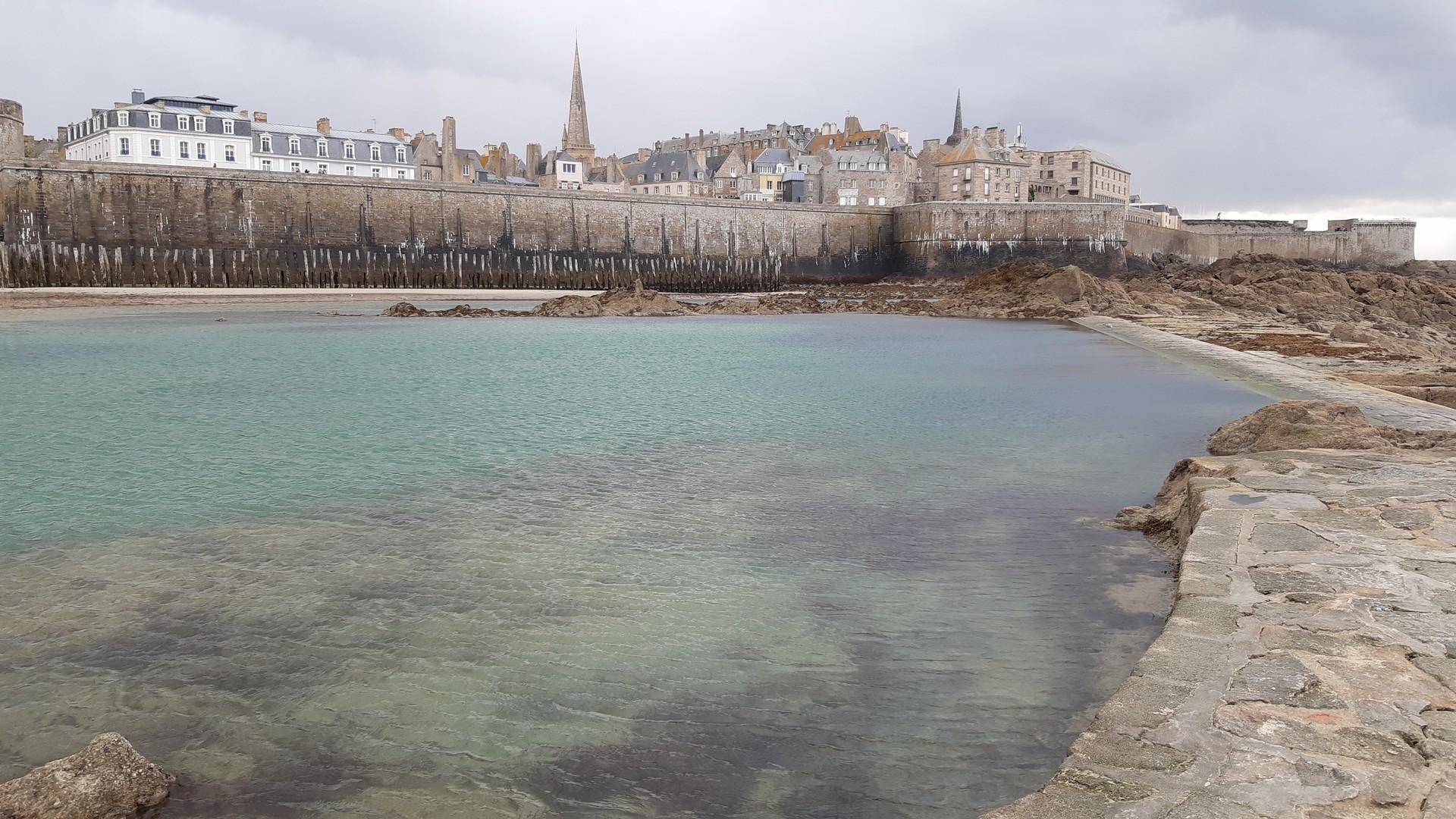 Stadtmauer von Saint-Malo in der Bretagne