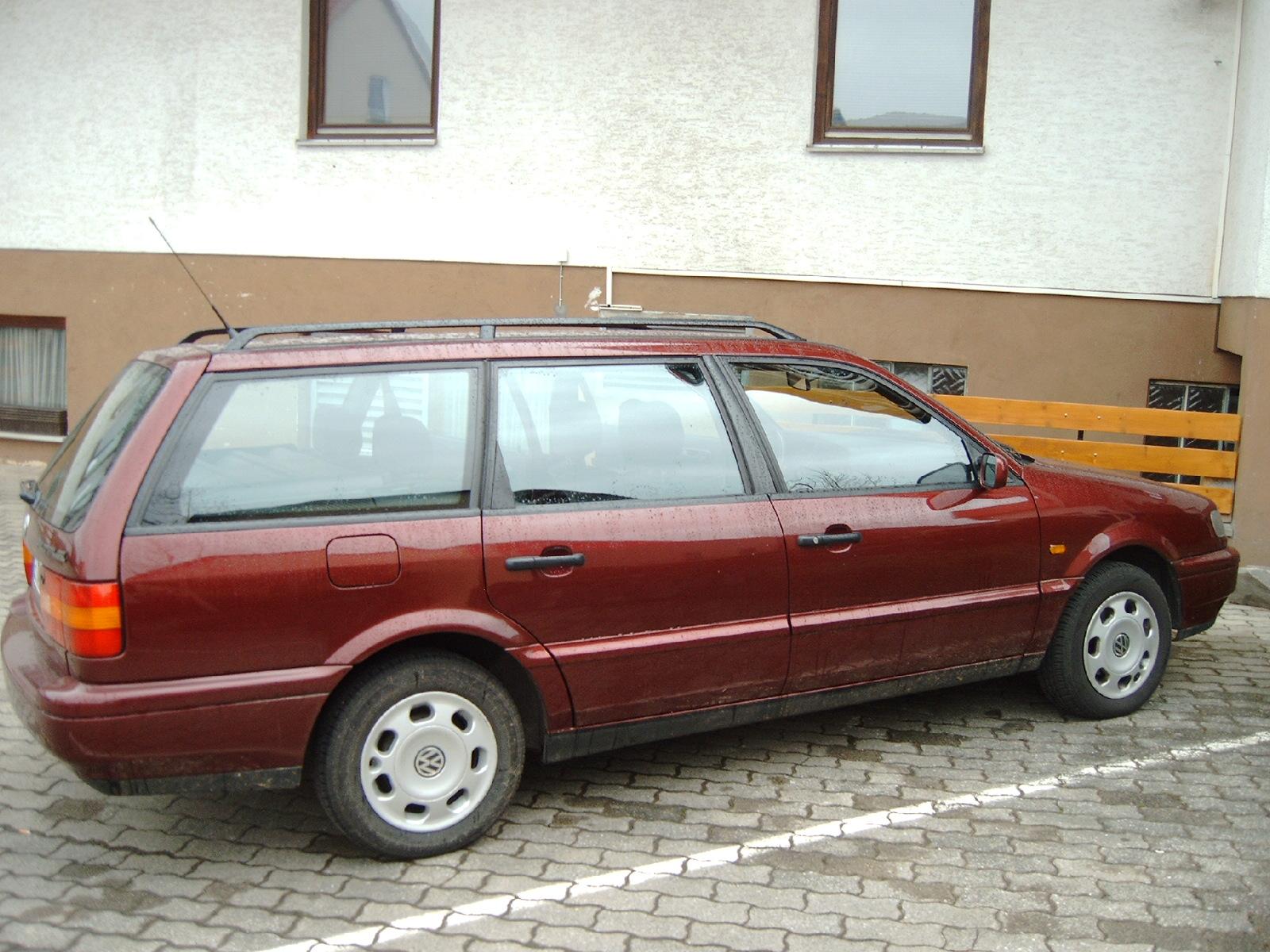Foto vom indianroten VW Passat Variant